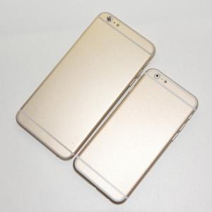 iPhone 6:n 4,7- ja 5,5-tuumaiset mallikappaleet. Lähde: Sonny Dickson / Twitter