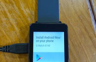 Oletettu G Watch latausjohtoineen