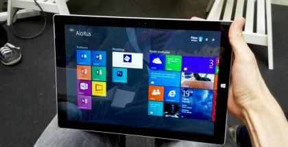 Surface Pro 3 toimittajan omissa käsissä