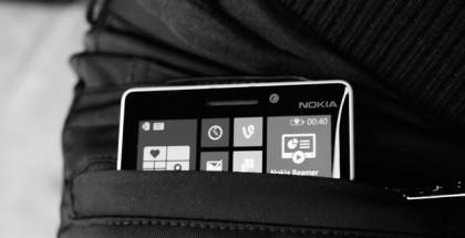 Lumia 930 housujen lataustaskussa