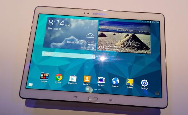 Galaxy Tab S 10.5 edestä