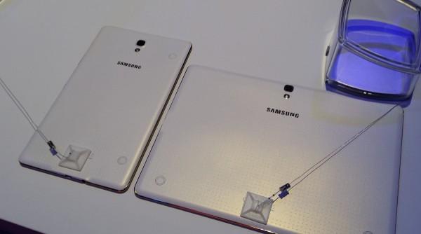 Galaxy Tab S:t takaa