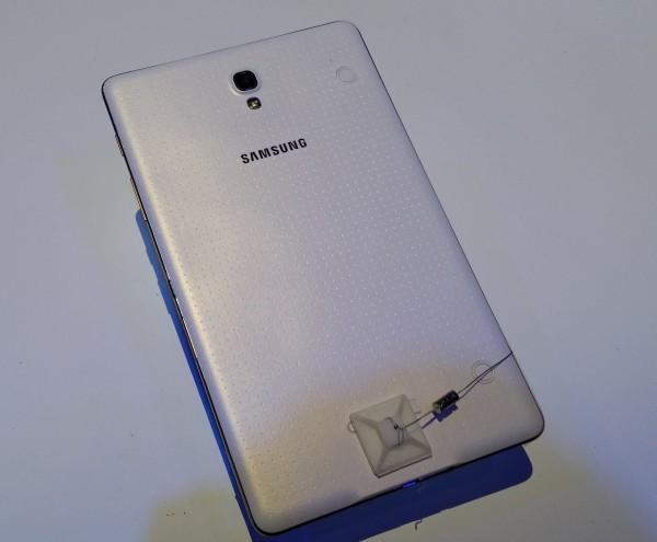Galaxy Tab S 8.4 takaa