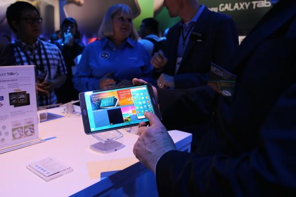 SideSync 3.0 mahdollistaa puhelimen käytön Galaxy Tab S:n näytöltä. Kuva: Lasse Pulkkinen