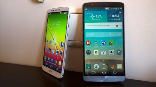 Oikealla uusi LG G3 ja vasemmalla viimevuotinen huippumalli LG G2