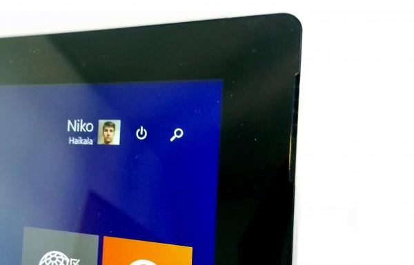 Toinen Surface Pro 3:n etukaiuttimista