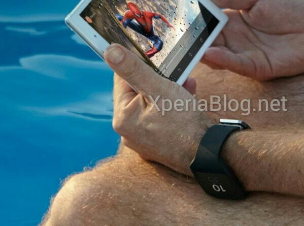 Kuvassa oletetusti Xperia Z3 Tablet Compact sekä uusi älykello