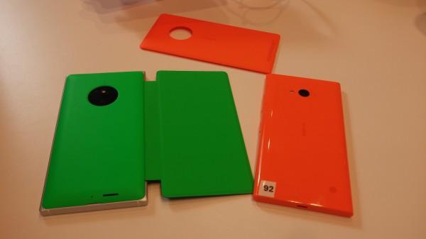 Lumia 830:aan on tarjolla myös näyttöä suojaavia suojakuoria