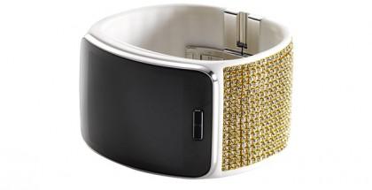 Swarovskin kristallein koristeltu Samsung Gear S -älykello