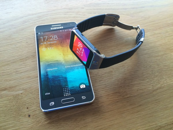 Samsung Galaxy Alpha ja Gear 2