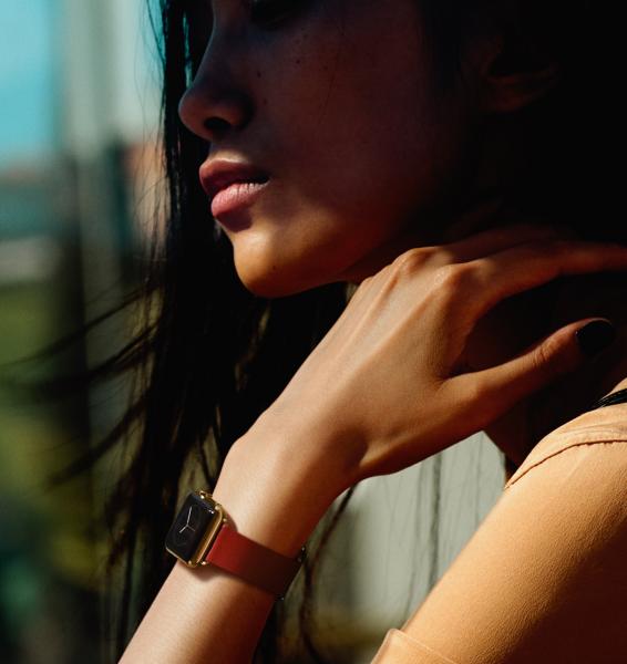 Apple Watch Edition - kultaa ja punaista