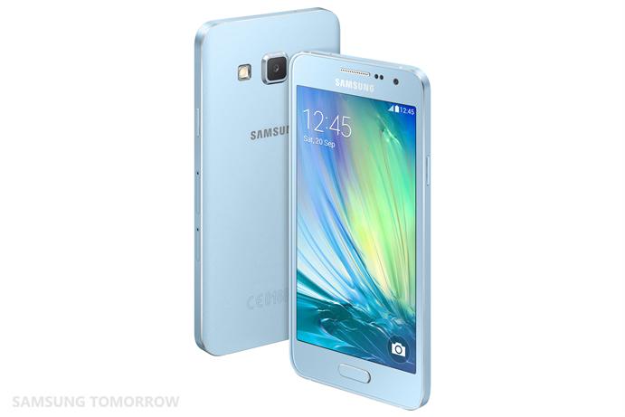 Galaxy A3 Light Blue -värissä