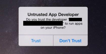 """Jos iOS-laite kysyy, luotetaanko tuntemattoman kehittäjän sovellukseen, vastaus kuuluu """"Älä luota""""."""