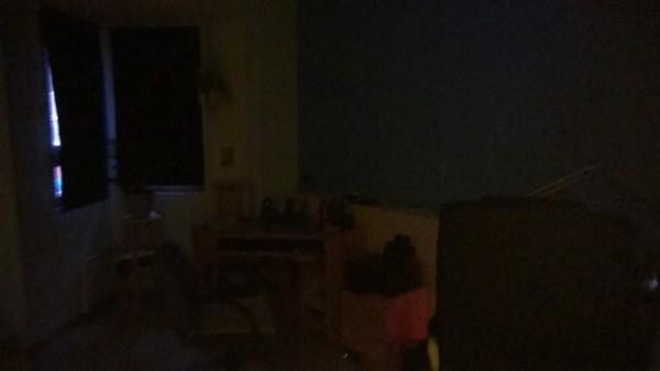 Lumia 830 - kuva lähes pilkkopimeässä