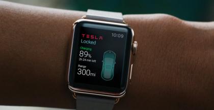 Eleks Labin kehittämä Apple Watch -sovellus Tesla Model S -auton toimintojen ohjaamiseen.