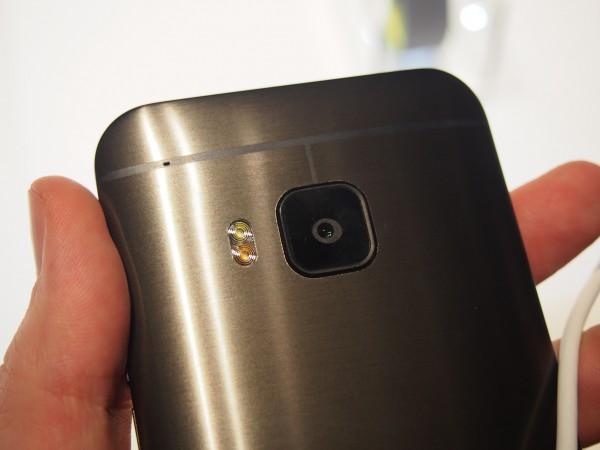 HTC One M9:ssä ei ole tuplakameraa One (M8):n tapaan