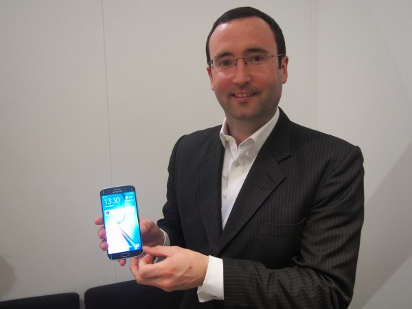 Rory O'Neill ja Samsungin Galaxy S6 edge