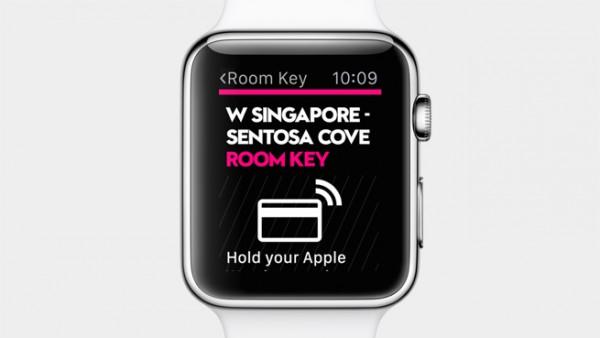 Starwood-hotelliketjun sovellus mahdollistaa sisäänkirjautumisen ja huoneen oven avaamisen kellolla.