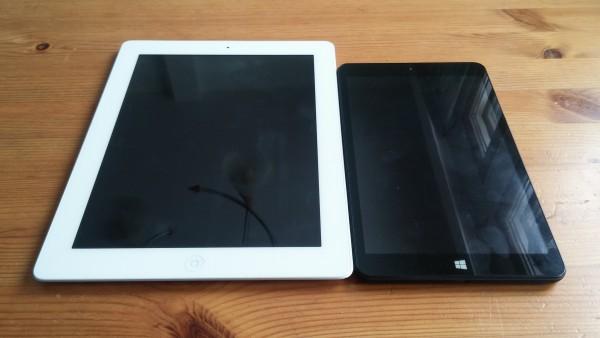 Eve T1 on mukavan kompakti laite verrattuna noin 10-tuumaisiin tabletteihin. Sen ohuiden näytönreunuksien ansiosta laitteen fyysinen koko on kahdeksantuumaiselle tabletille melko pieni