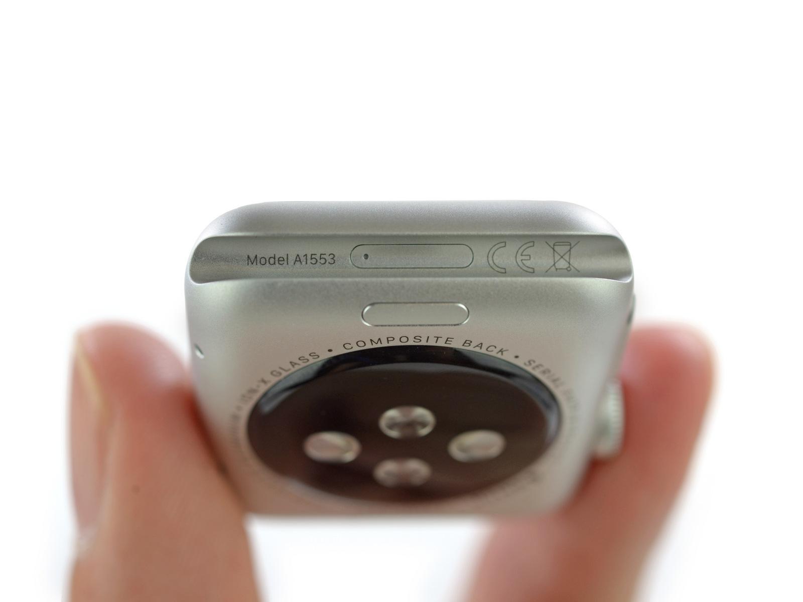 Apple Watchin rungossa on piilotettu dataportti, johon saattaisi olla mahdollista yhdistää uusia ominaisuuksia tuovia rannekkeita.