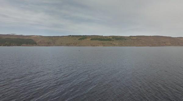 Google Mapsin tuoreissa Loch Ness kuvissa ajelehtii jotain tunnistamatonta