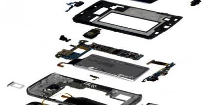 """IHS:n """"räjäyttämä"""" Galaxy S6 edge."""