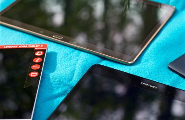 Vasemmalla Lenovo, ylhäällä Galaxy Tab S, alhaalla Galaxy Tab A ja oikealla pilkistää Nexus.