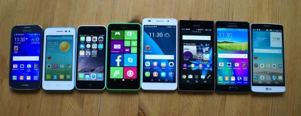 Vasemmalta oikealle: Samsung Galaxy Ace 4, Alcatel OneTouch Pop S3, Apple iPhone 5c, Nokia Lumia 635, Honor 6, Sony Xperia M2 Aqua, Samsung Galaxy A5 ja LG G3s