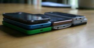 Laitteet eri hintaluokittain. Vasemmalta oikealle: noin 100€, noin 200€ ja noin 300€  Vasemmalla: Galaxy Ace 4, Alcatel Pop S3 ja Lumia 635  Keskellä: Xperia M2 Aqua ja LG G3s  Oikealla: iPhone 5c, Honor 6 ja Galaxy A5