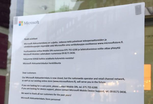 Lappu ovensa lopullisesti sulkeneen Microsoft Aleksanterinkadun ovessa