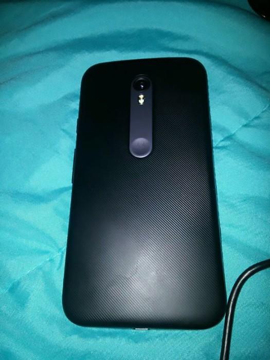 Vuotokuvassa Motorolan Moto G vuosimallia 2015.