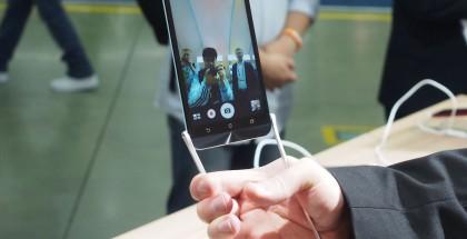 AndroidCentral: Asuksen Selfie Swing -lisätarvike