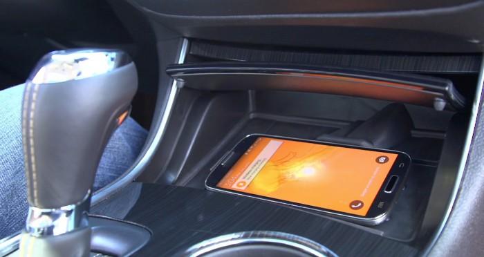 Active Phone Cooling pitää puhelimen viileänä autossa. Kuva: Chevrolet.