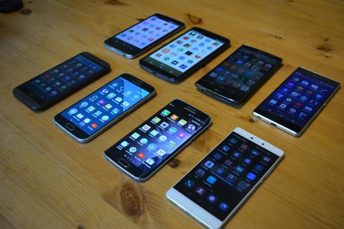 Näyttöjen erot kalliimmissa älypuhelimissa ovat pienempiä. Joukosta edukseen astuivat kuitenkin Samsungin laitteet ja heikoin lenkki oli Idol 3