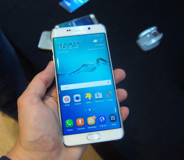 Galaxy S6 edge+ on kookas, mutta näytön kokoonsa nähden solakka