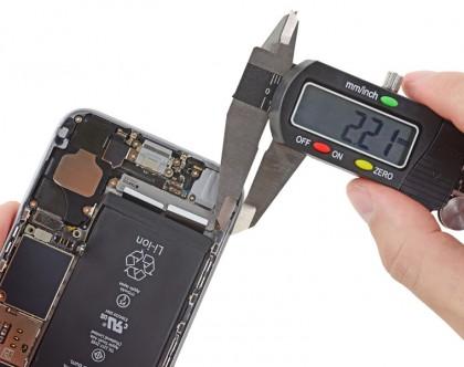 Rungon reunus iPhone 6s:ssä on 0,3 millimetriä leveämpi kuin iPhone 6:ssa, jättäen enemmän tilaa tiivisteelle.