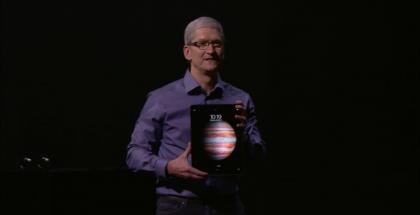 Applen toimitusjohtaja Tim Cook esitteli uuden iPad Pron.