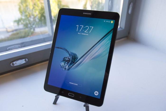 Galaxy Tab S2.