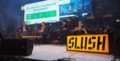 Nokian panelistit Risto Siilasmaa, Ramzi Haidamus, David Tang sekä Upal Basu Slushin lavalla
