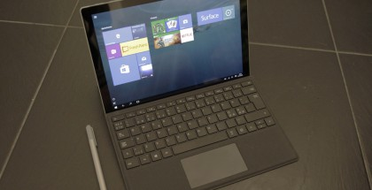 Surface Pro 4 uuden Type Coverin ja Surface-kynän kera