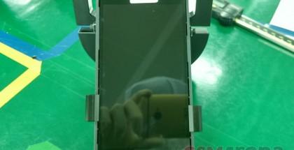 Galaxy S7:n etupaneeli vuotokuvassa
