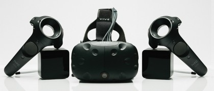 HTC Vive -virtuaalilasit ja ohjaimet.