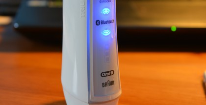 Oral-B:n SmartSeriesin White 7000 -älysähköhammasharja