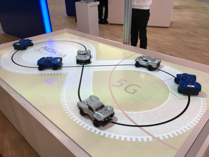 Nokian osaston demo 5G-verkkojen hyödyntämisestä itse ajavien autojen kommunikaatiossa