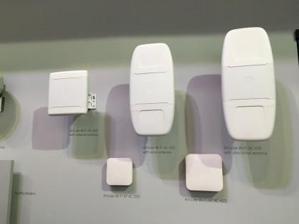 Nokian verkkotuotteita esillä MWC-osastolla.