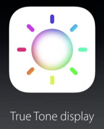 Apple kutsuu kahden värin kuvausvalojaan True Tone -salamoiksi, nyt värilämpötilaltaan mukautuvia näyttöjä True Tone -näytöiksi.