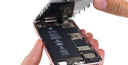 iPhone 6s:n akku iFixitin kuvassa.