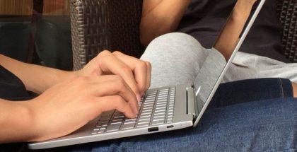 Xiaomi Mi Notebook vuotokuvassa.