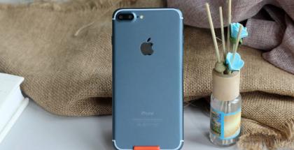 iPhone 7 Plus sinisenä vuotokuvassa