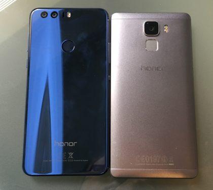 Honor 8 ja Honor 7. Suurimmat erot puhelimissa onkin takana - sekä designissa että kameroissa.
